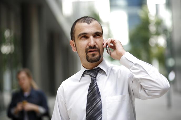 Homme d'affaire au téléphone